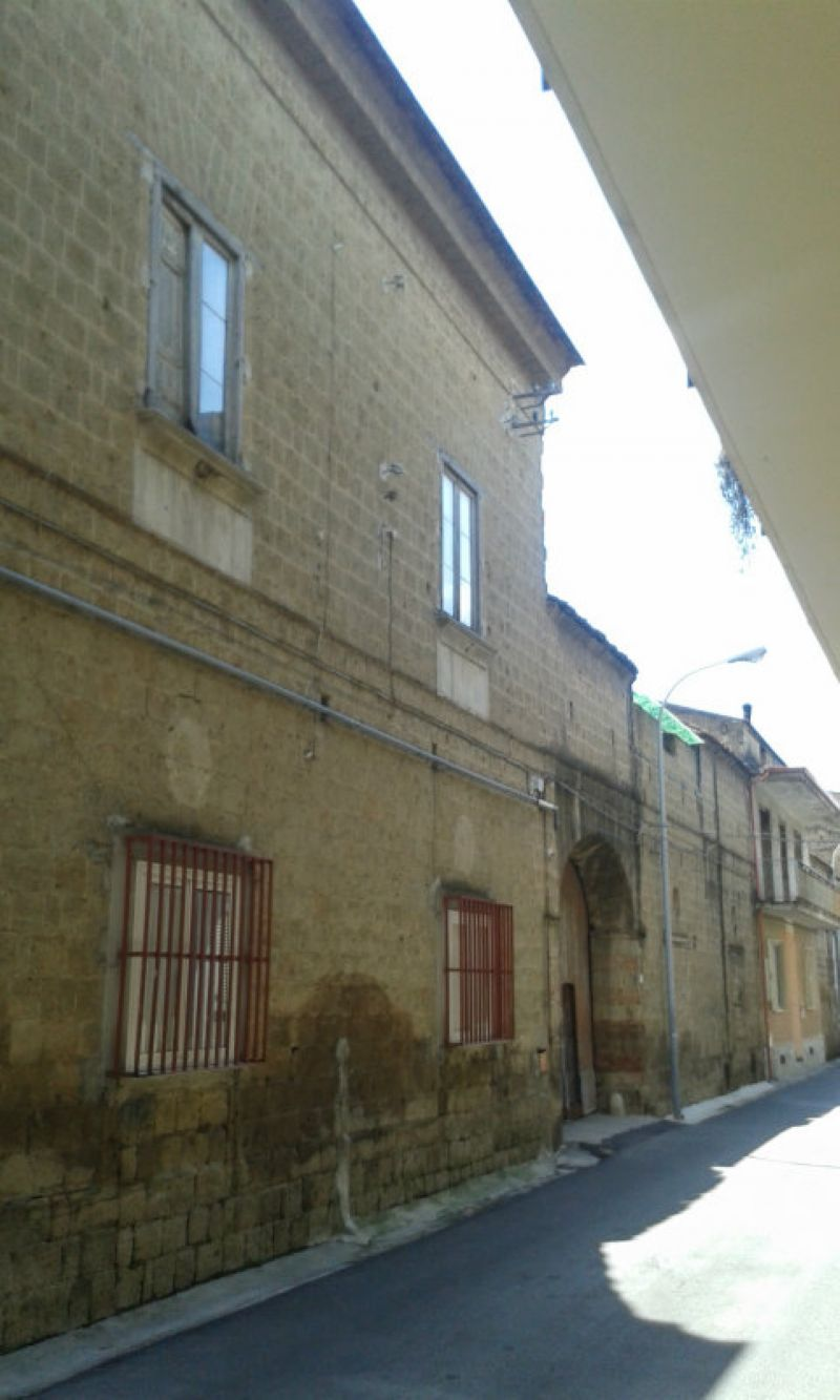 Soluzione Indipendente in vendita a Marcianise, 6 locali, prezzo € 190.000 | Cambio Casa.it