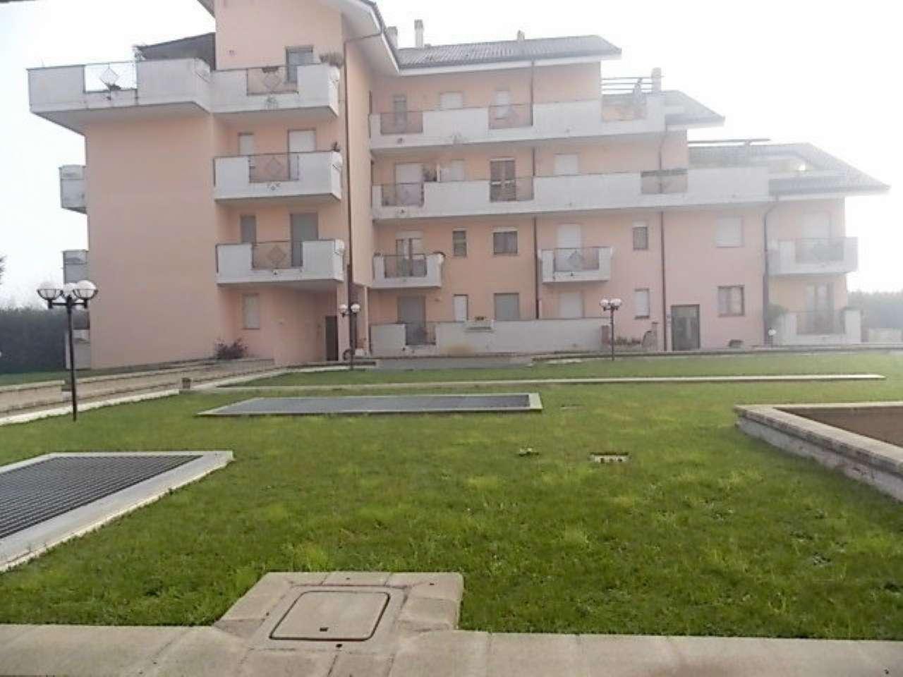 Appartamento in vendita a Cornaredo, 3 locali, prezzo € 220.000   CambioCasa.it