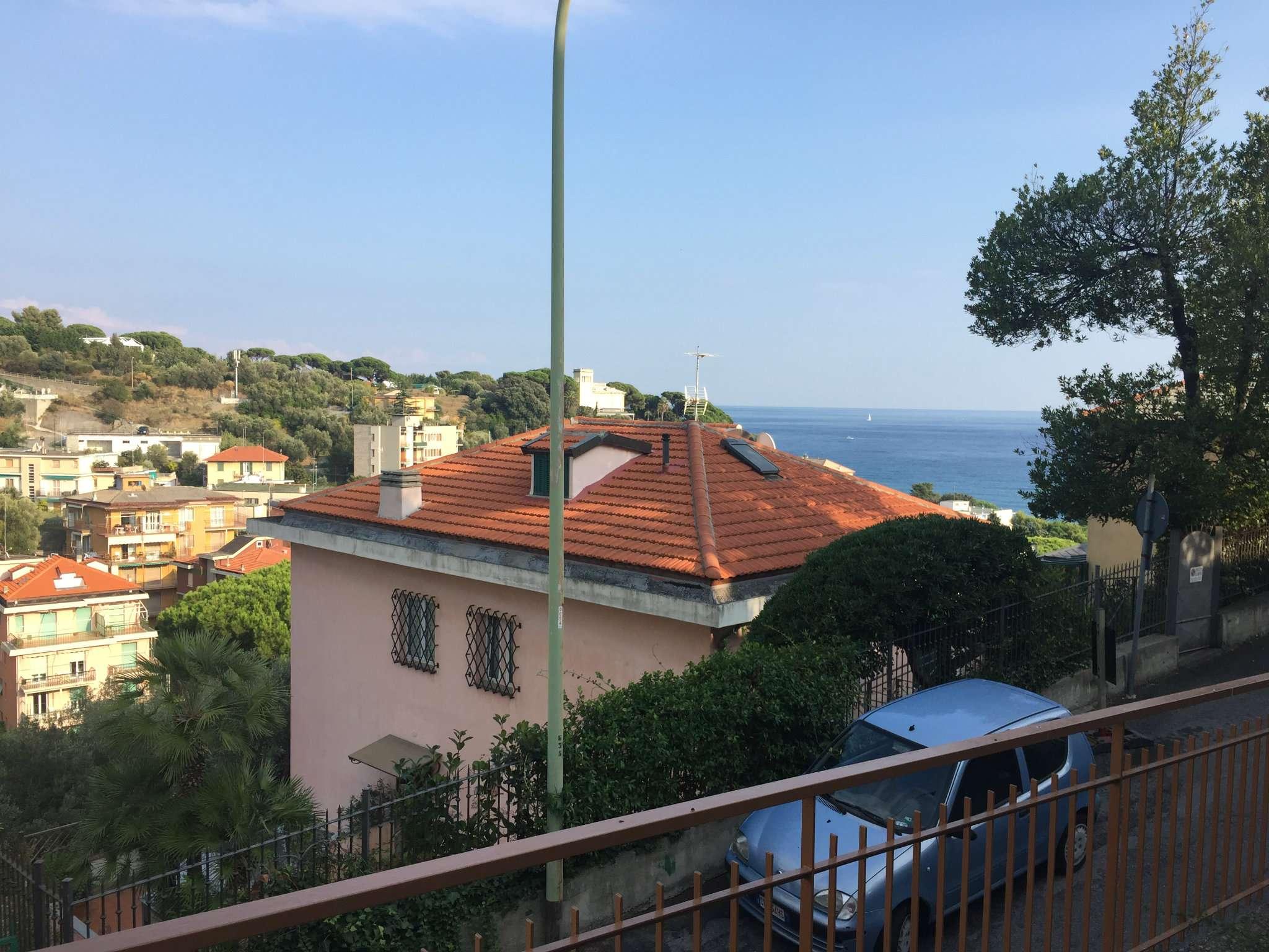 Appartamento in vendita a Celle Ligure, 3 locali, prezzo € 270.000 | CambioCasa.it