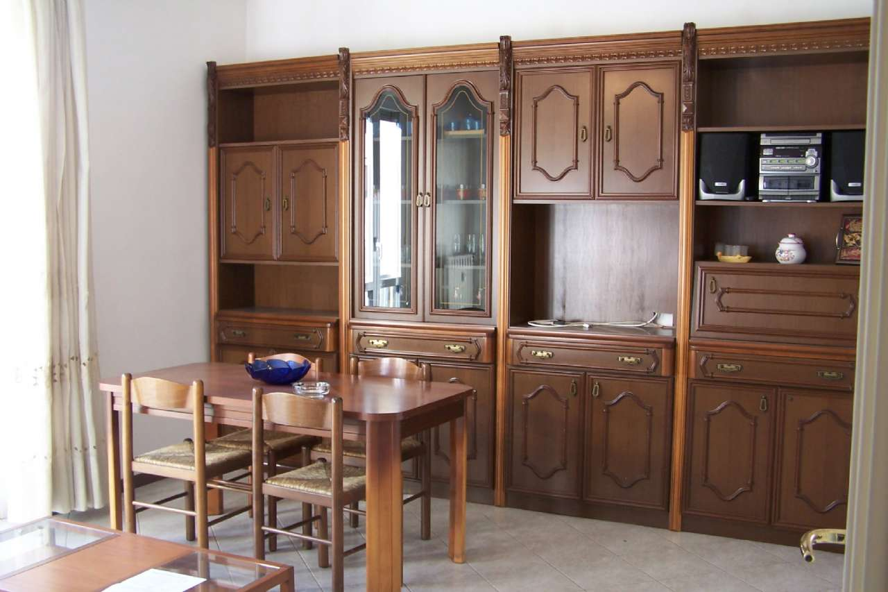 Cernusco Lombardone in vendita appartamento di due locali, cucina abitabile servizi