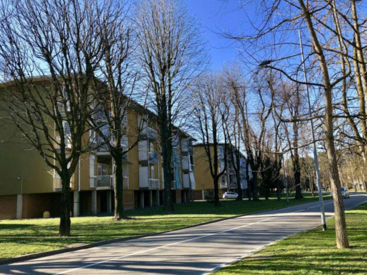 Appartamento in ottime condizioni parzialmente arredato in vendita Rif. 7930378