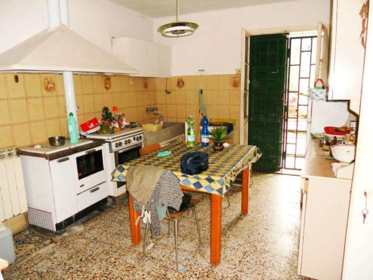 Soluzione Semindipendente in vendita a Carasco, 7 locali, prezzo € 95.000 | CambioCasa.it