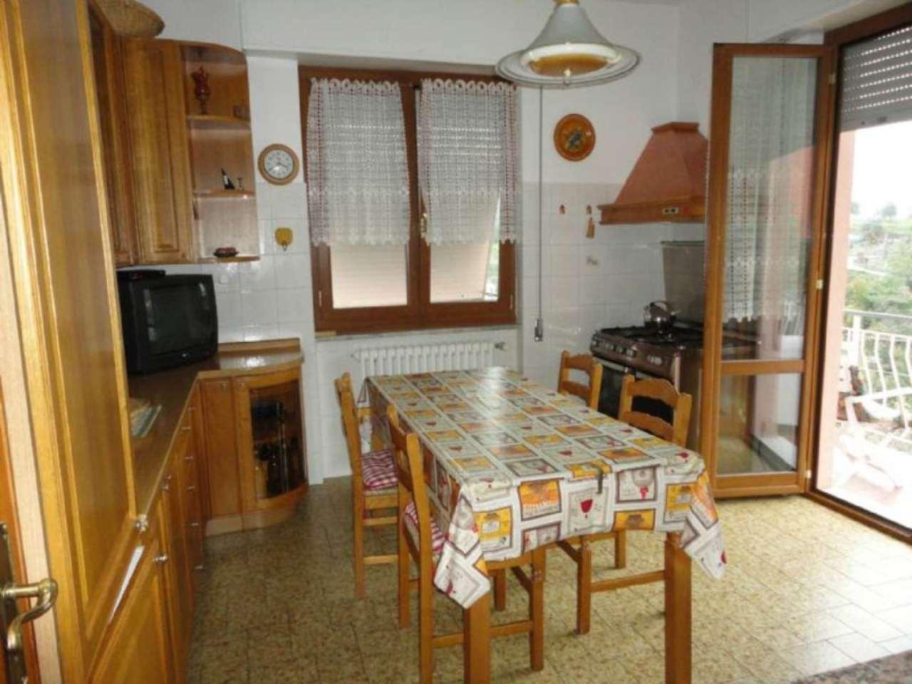 Appartamento in ottime condizioni parzialmente arredato in vendita Rif. 4857529