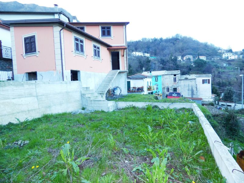 Soluzione Indipendente in vendita a Lumarzo, 5 locali, prezzo € 190.000 | CambioCasa.it