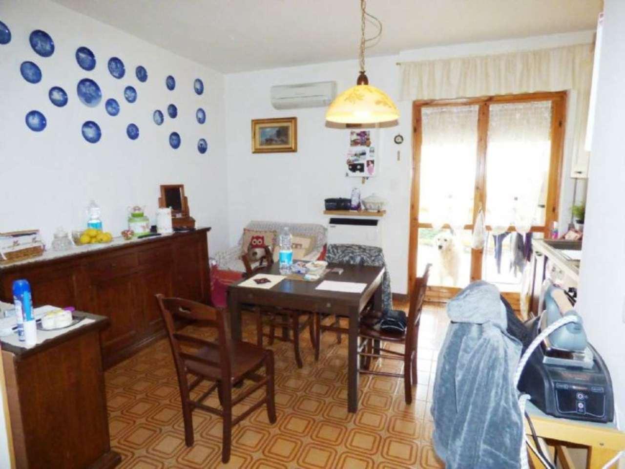 Appartamento in ottime condizioni parzialmente arredato in vendita Rif. 4857542