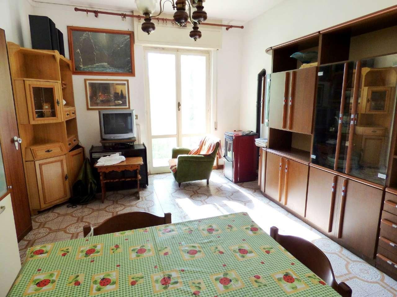 Appartamento in buone condizioni in vendita Rif. 4857614