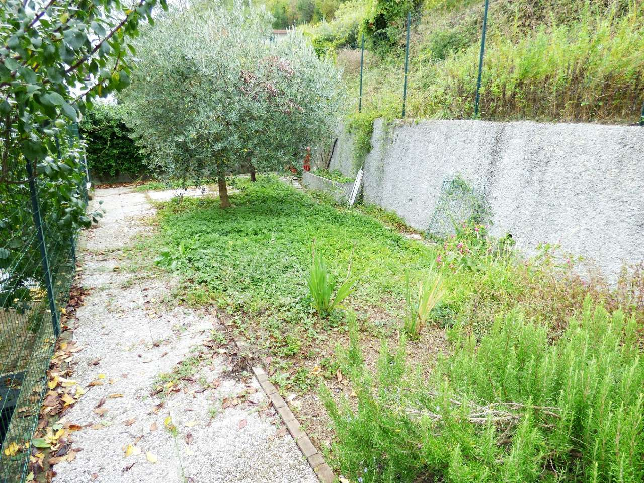 Appartamento in vendita a Carasco, 4 locali, prezzo € 129.000 | CambioCasa.it