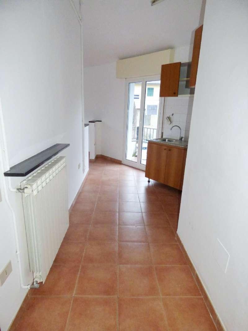 Appartamento in affitto a Moconesi, 2 locali, prezzo € 300 | CambioCasa.it