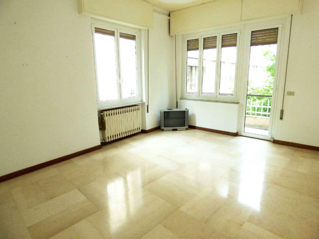 Appartamento in buone condizioni in vendita Rif. 6856000