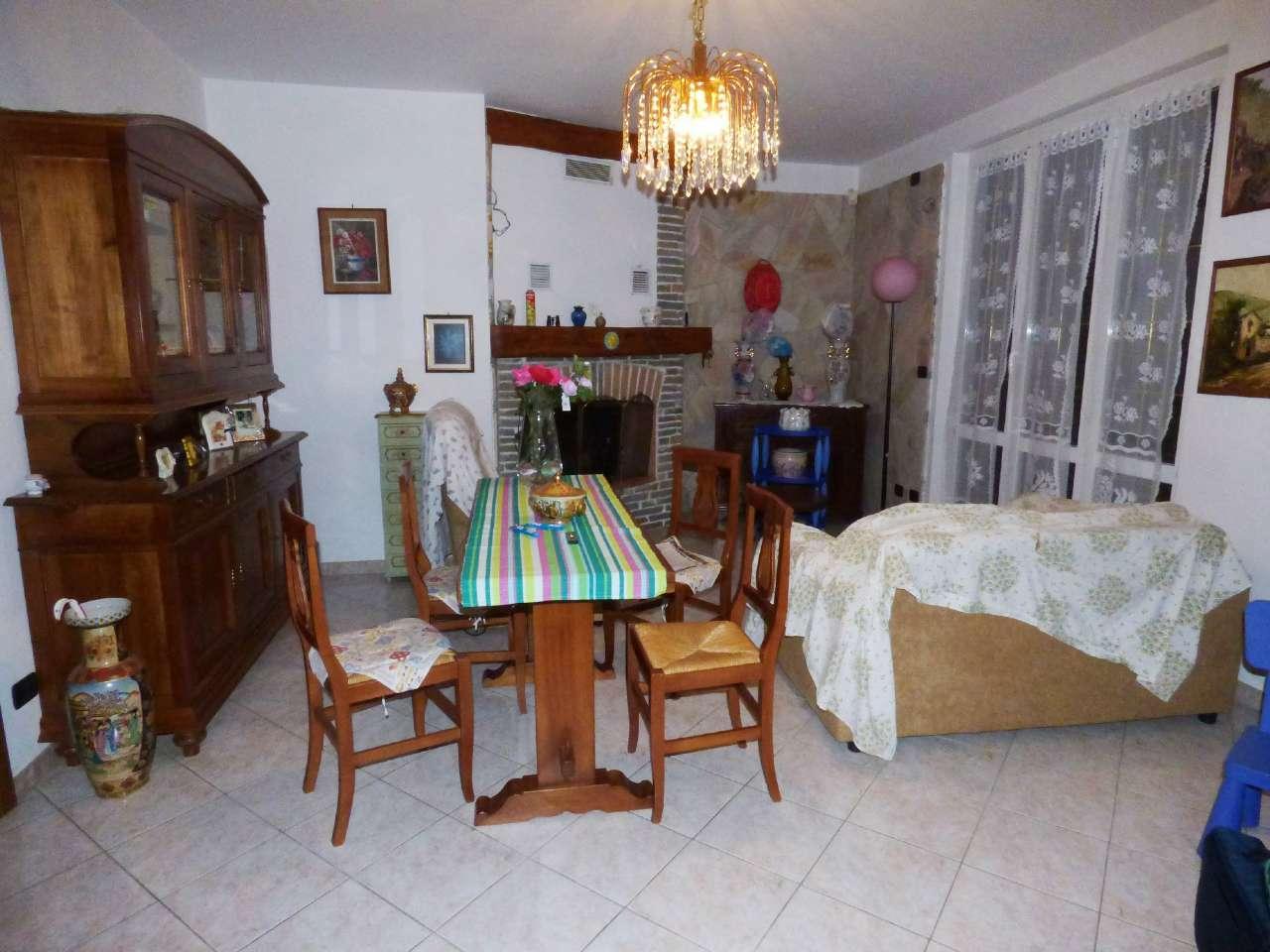 Appartamento ristrutturato parzialmente arredato in vendita Rif. 7187562