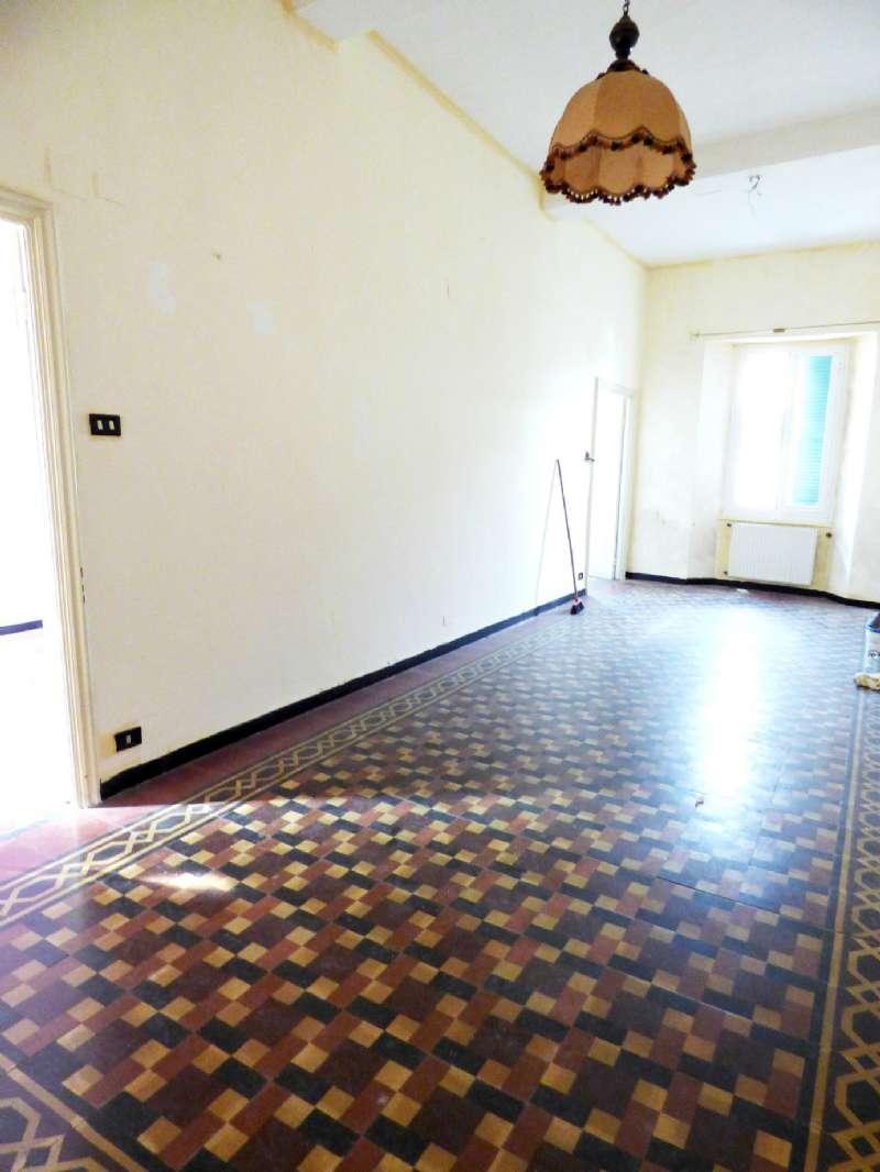 Appartamento in buone condizioni in vendita Rif. 7859198