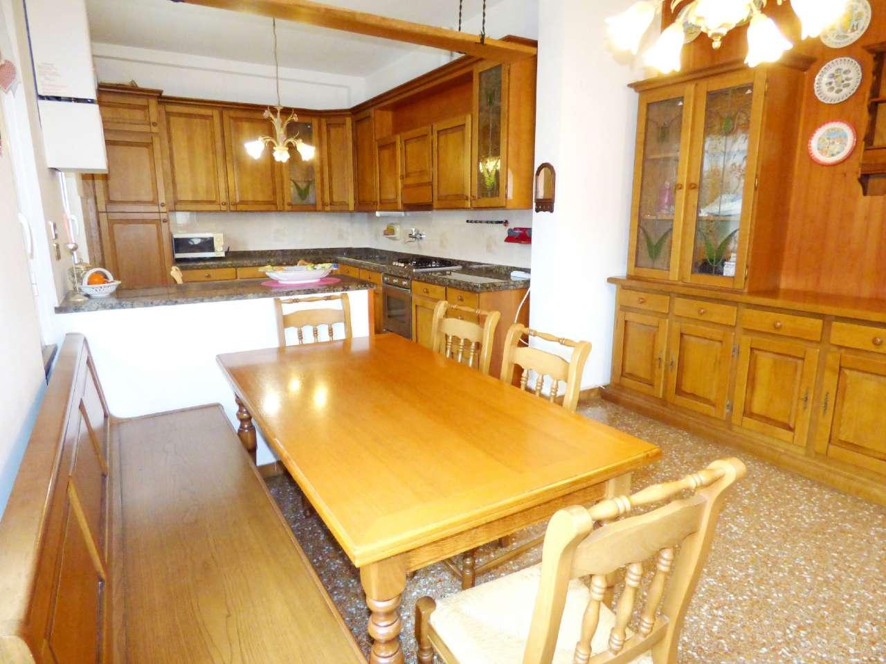 Appartamento in vendita a Bargagli, 5 locali, prezzo € 75.000 | CambioCasa.it
