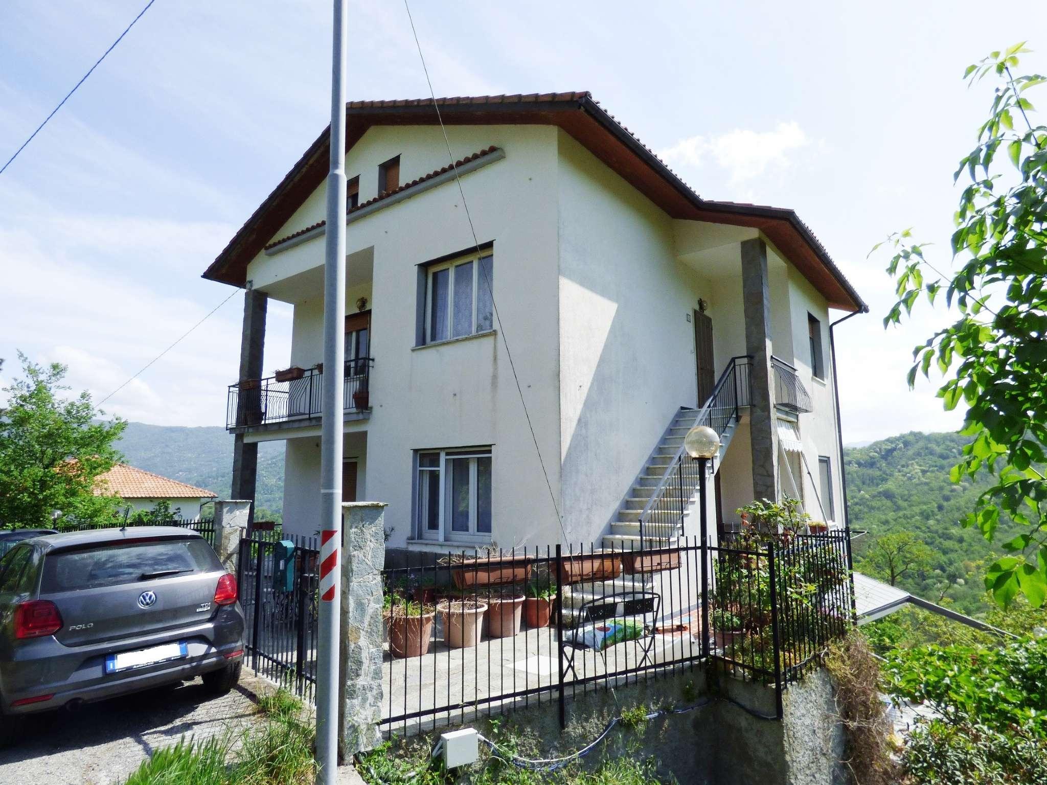Appartamento in ottime condizioni parzialmente arredato in vendita Rif. 8442465