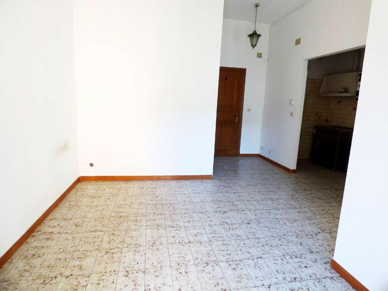 Appartamento in buone condizioni in vendita Rif. 8911114
