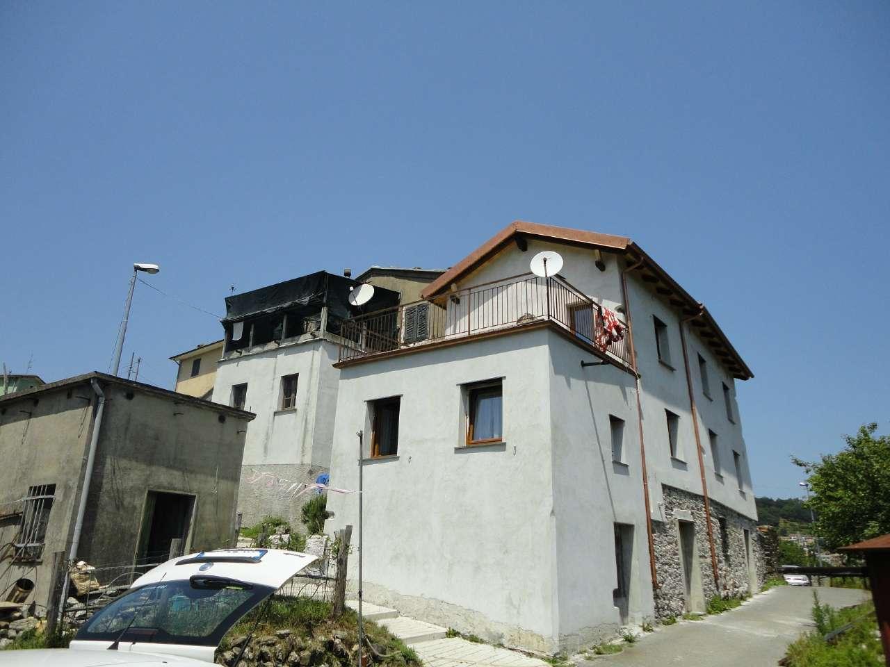 Soluzione Indipendente in vendita a Lumarzo, 5 locali, prezzo € 79.000   CambioCasa.it