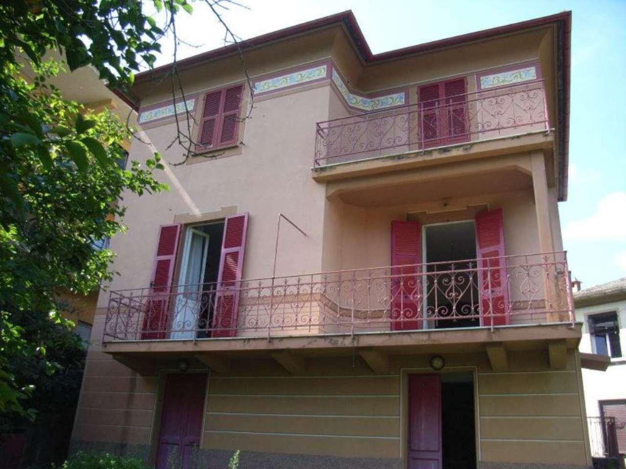 Soluzione Indipendente in vendita a Lumarzo, 8 locali, prezzo € 150.000 | CambioCasa.it