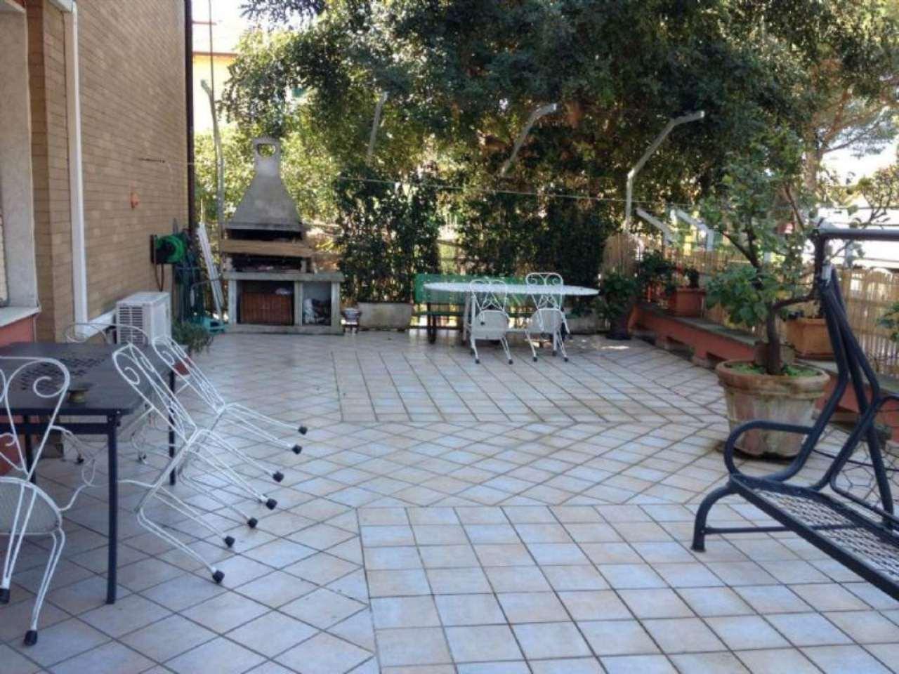 Appartamento in ottime condizioni arredato in affitto Rif. 4858078