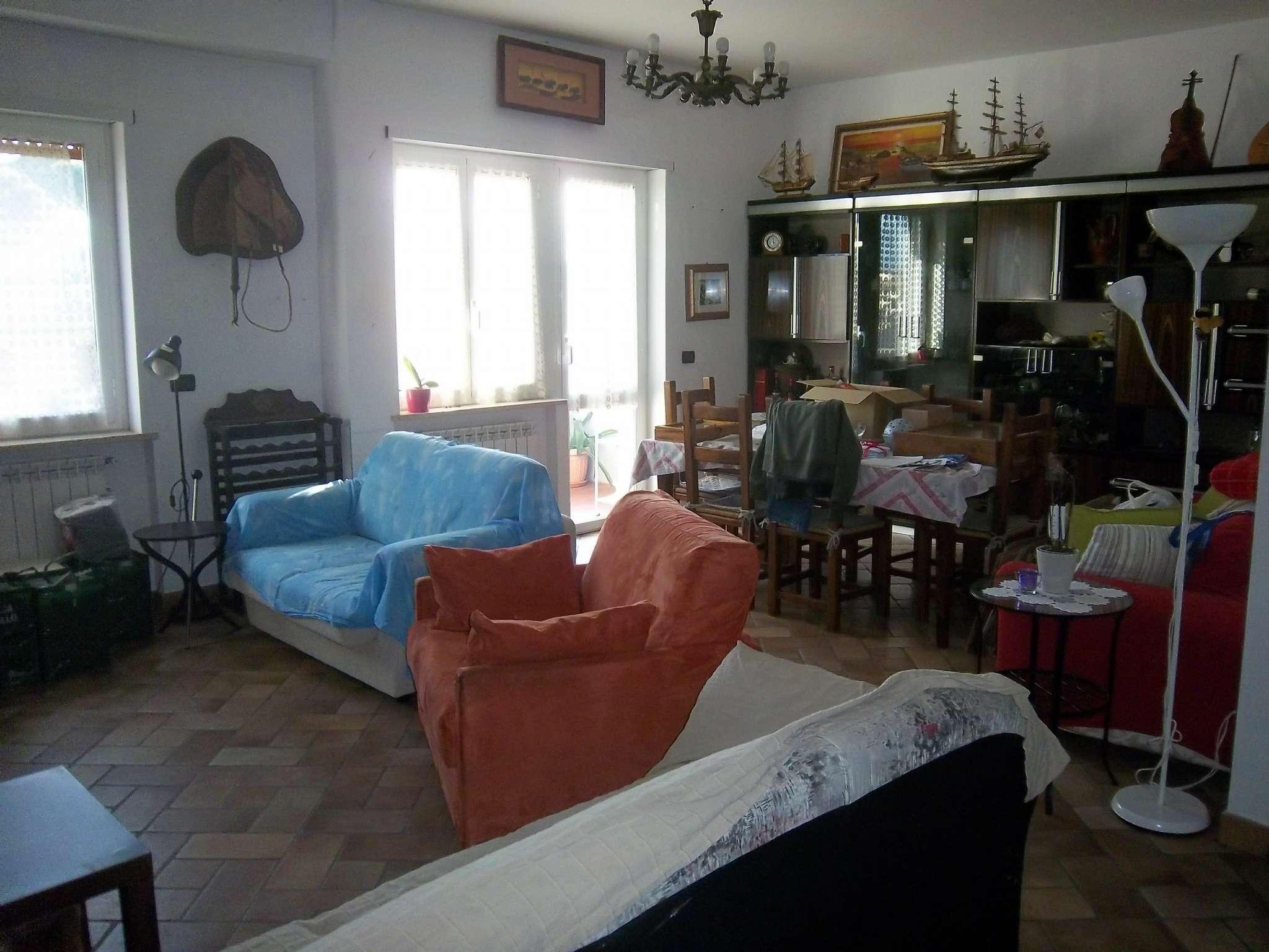 Appartamento in vendita a Mentana, 3 locali, prezzo € 150.000 | CambioCasa.it