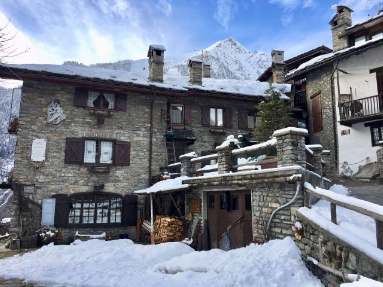 Appartamento in vendita a Prè-Saint-Didier, 3 locali, prezzo € 290.000 | CambioCasa.it
