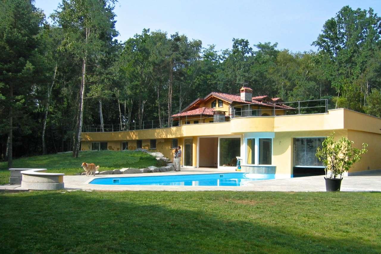 Prestigiosa Villa con dépandance e casa custode