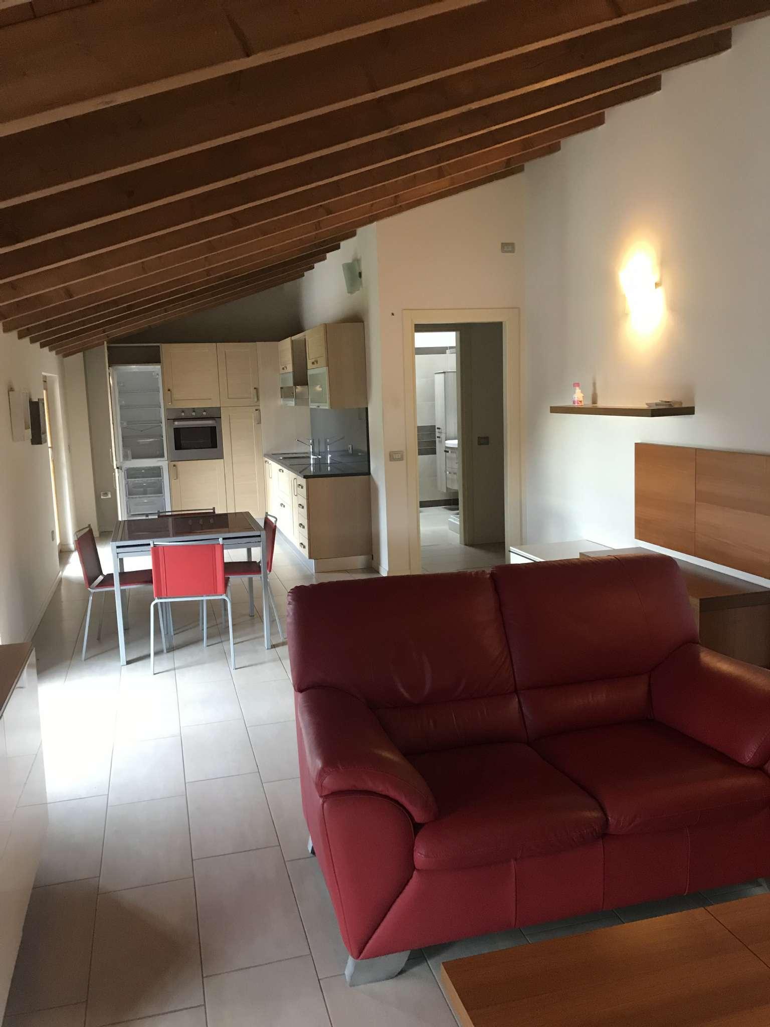 Appartamento arredato in affitto Rif. 8466541