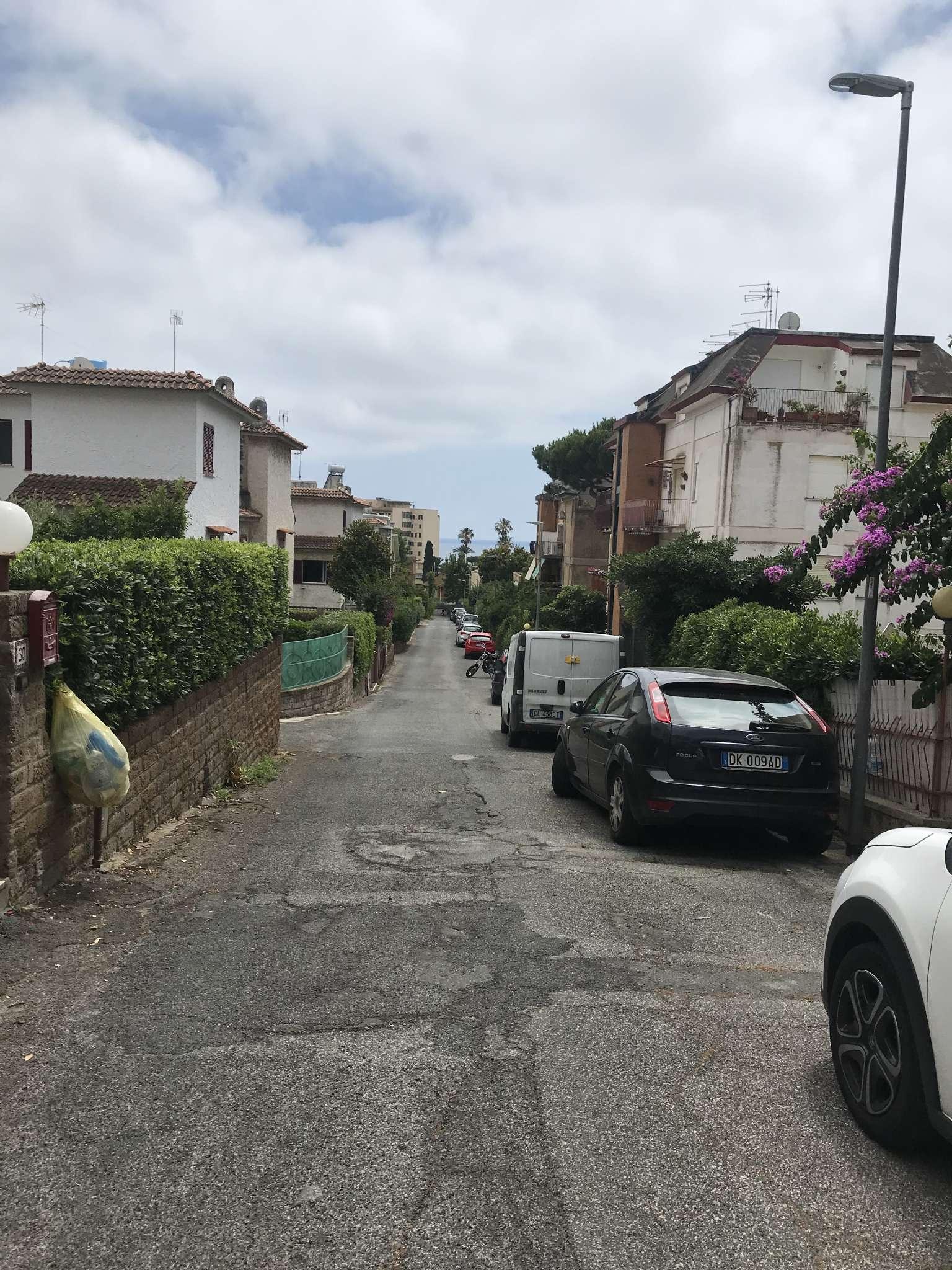 Appartamento in vendita a Santa Marinella, 3 locali, prezzo € 125.000 | CambioCasa.it
