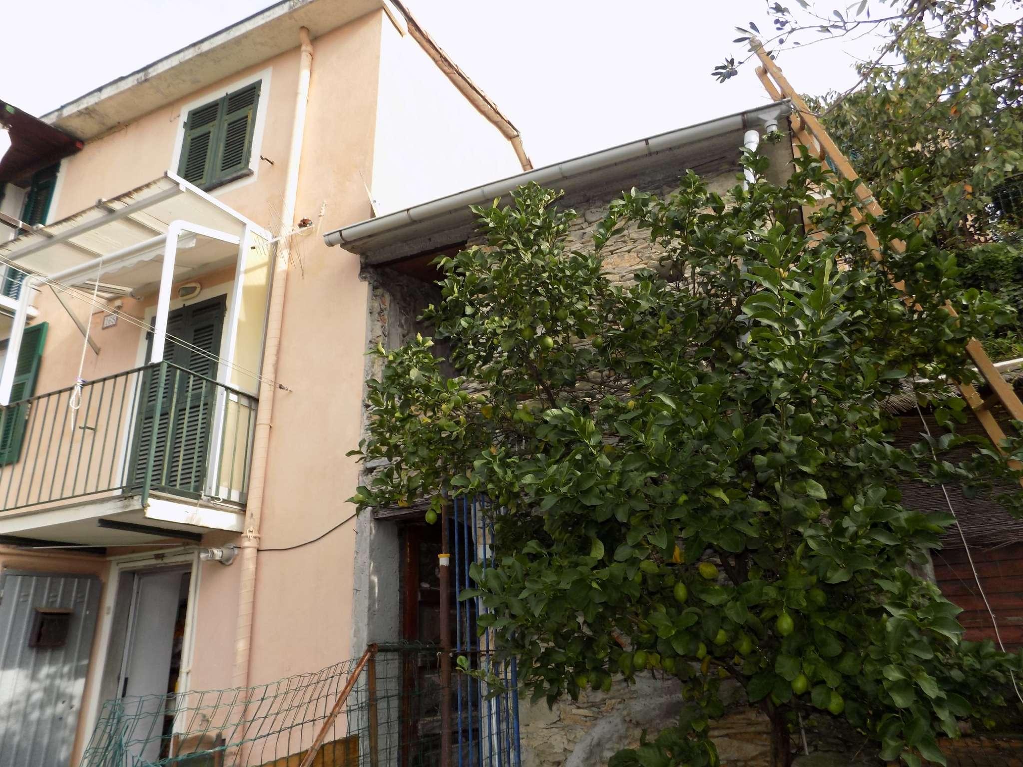Appartamento in vendita a Bogliasco, 3 locali, prezzo € 98.000   CambioCasa.it