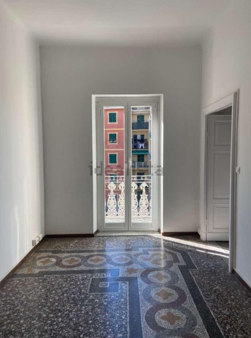 Appartamento in affitto a Recco, 5 locali, prezzo € 580 | PortaleAgenzieImmobiliari.it