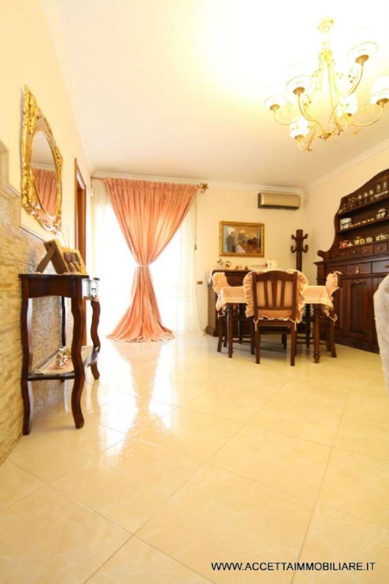 Appartamento in ottime condizioni parzialmente arredato in vendita Rif. 4877175