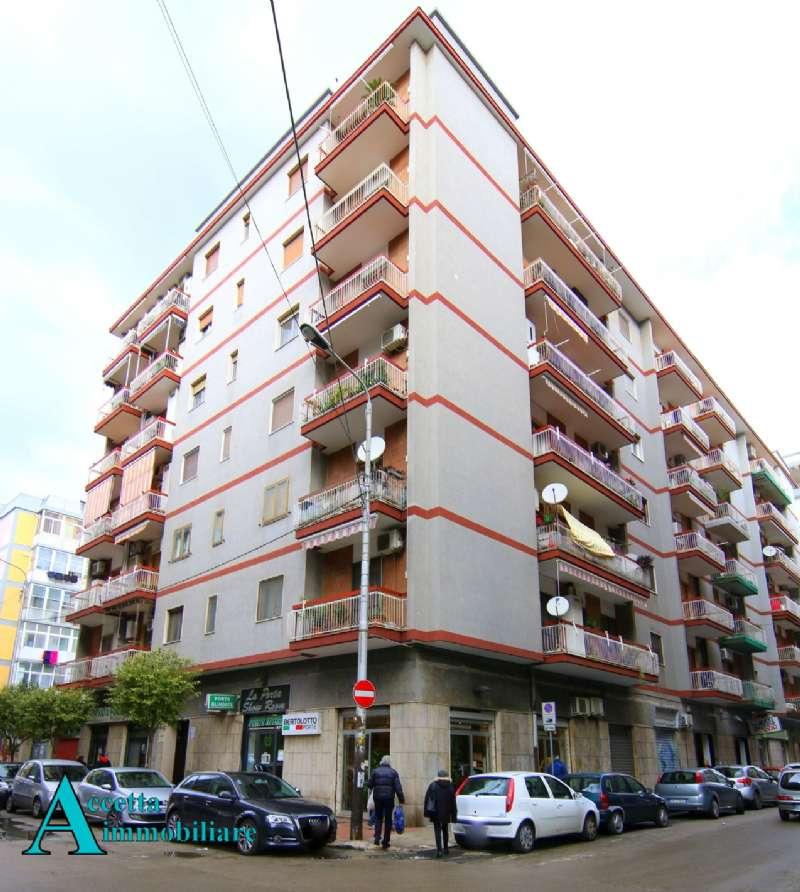 Appartamento in vendita a Taranto, 3 locali, prezzo € 99.000 | CambioCasa.it
