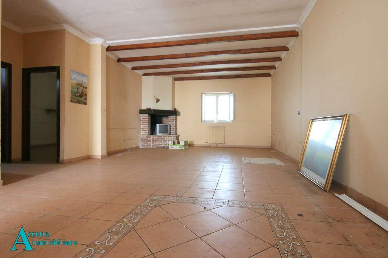 Appartamento in vendita a Taranto, 3 locali, prezzo € 49.000 | CambioCasa.it