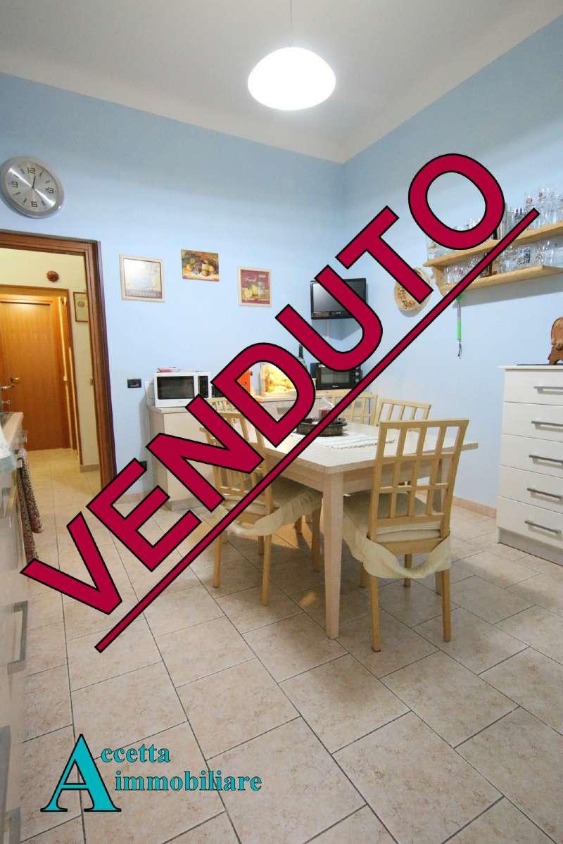 Appartamento in vendita a Taranto, 3 locali, prezzo € 55.000 | CambioCasa.it