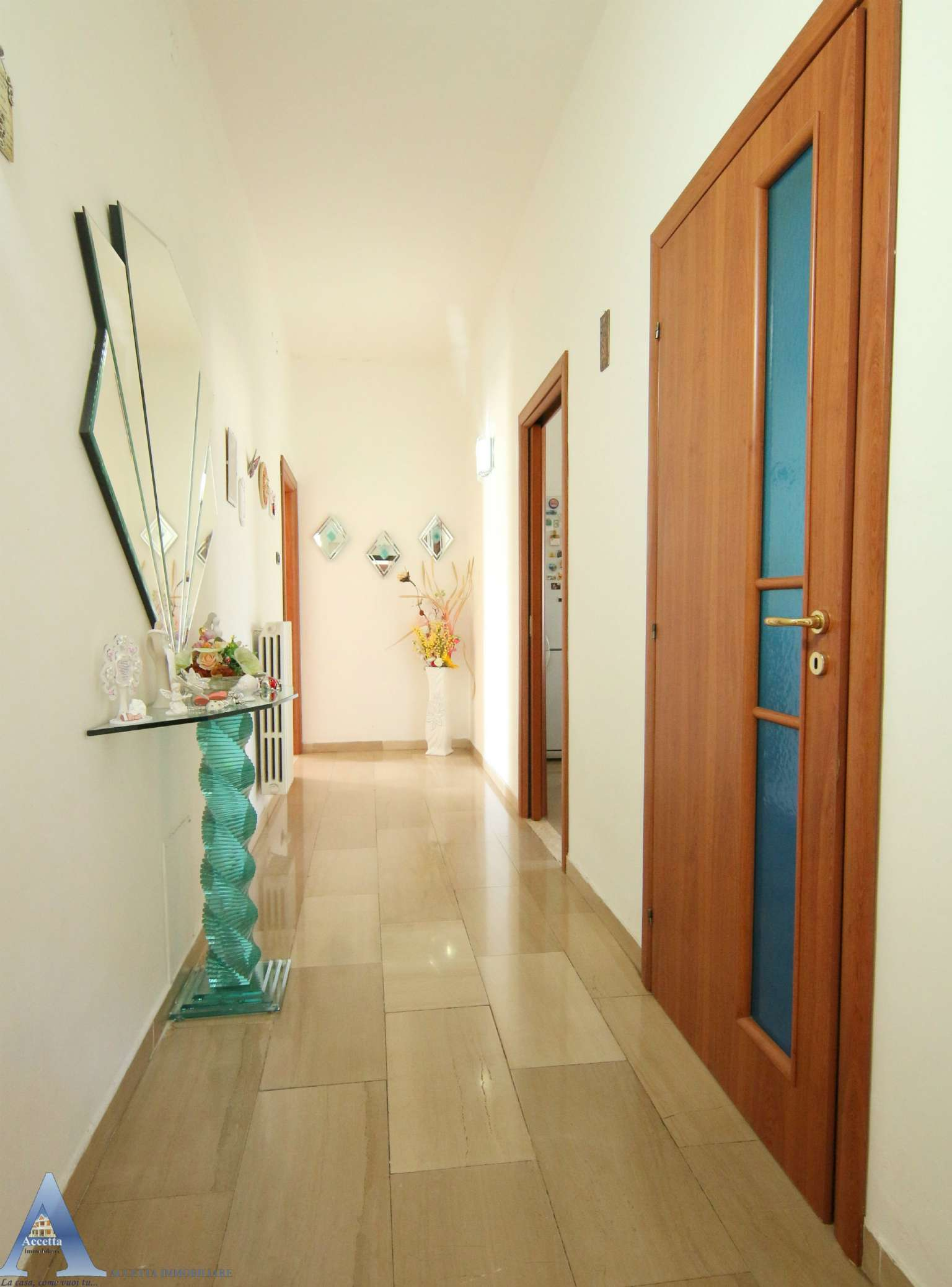 Appartamento in vendita a Taranto, 4 locali, prezzo € 38.000 | CambioCasa.it