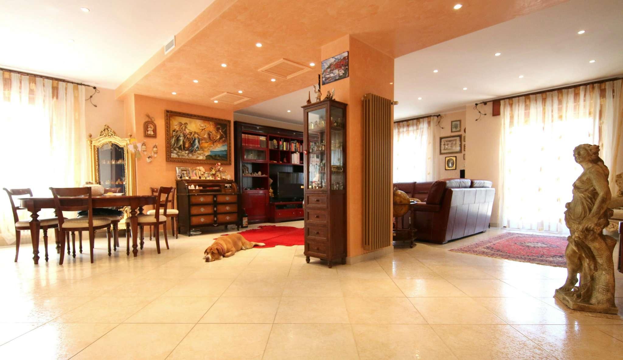 Appartamento in vendita a Taranto, 5 locali, prezzo € 238.000 | CambioCasa.it