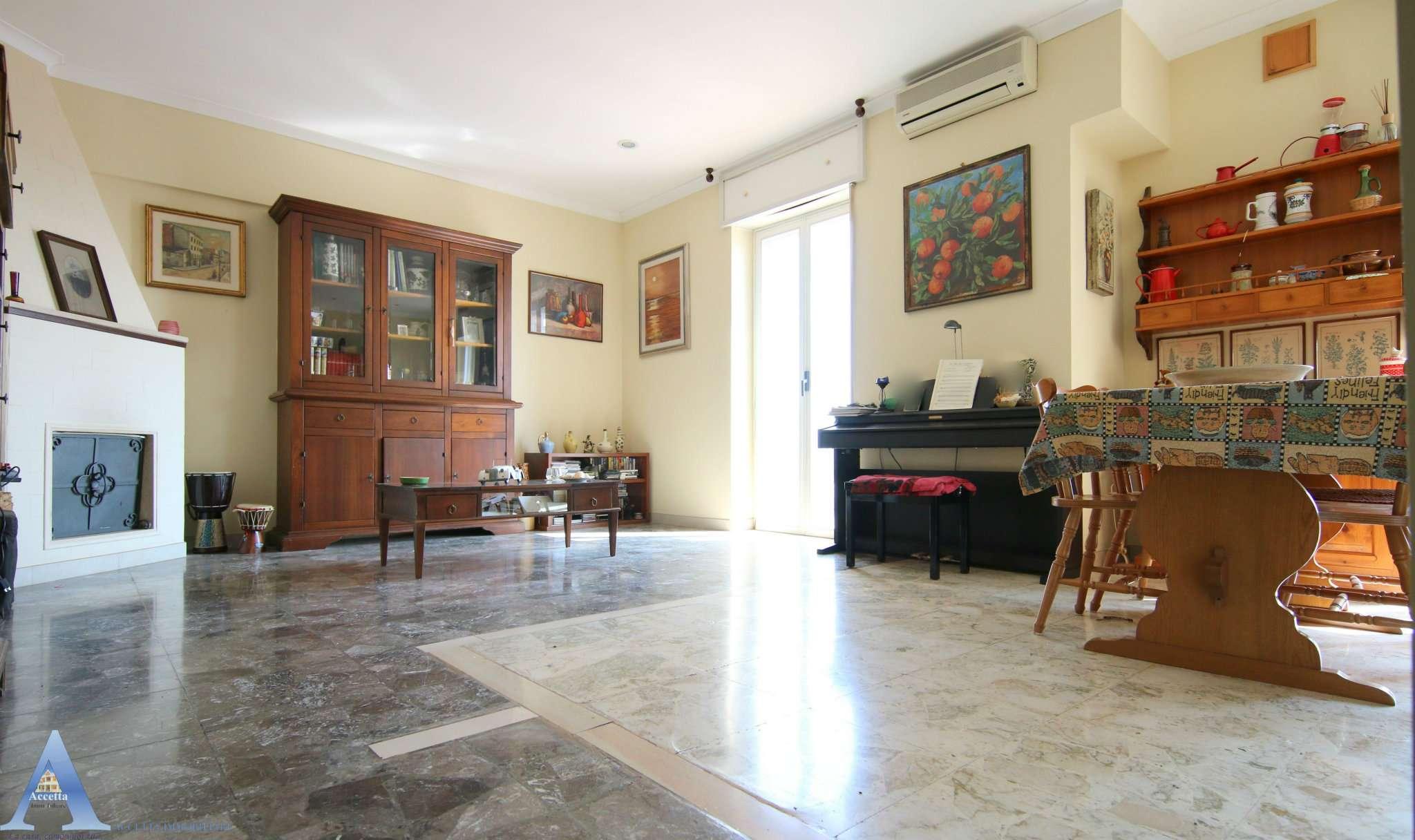 Appartamento in vendita a San Giorgio Ionico, 3 locali, prezzo € 75.000   CambioCasa.it