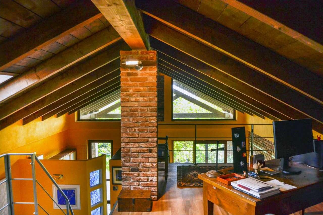 Appartamento in ottime condizioni in vendita Rif. 7093062
