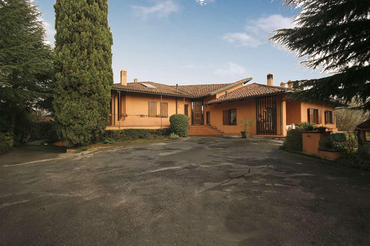 Villa in buone condizioni in vendita Rif. 8844883