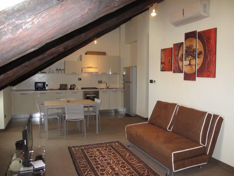 Loft in affitto a torino in zona crocetta cerca con for Affitto bilocale arredato torino crocetta