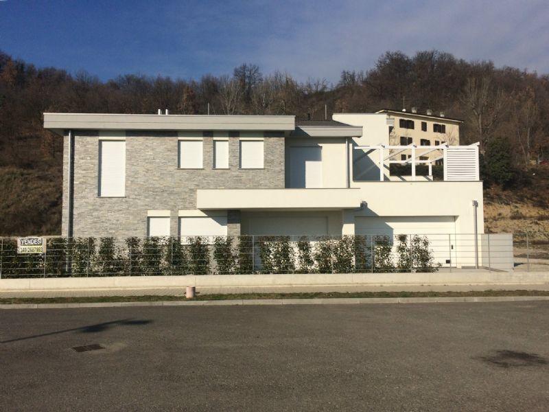 Villa Bifamiliare in vendita a Castellarano, 9999 locali, Trattative riservate | CambioCasa.it
