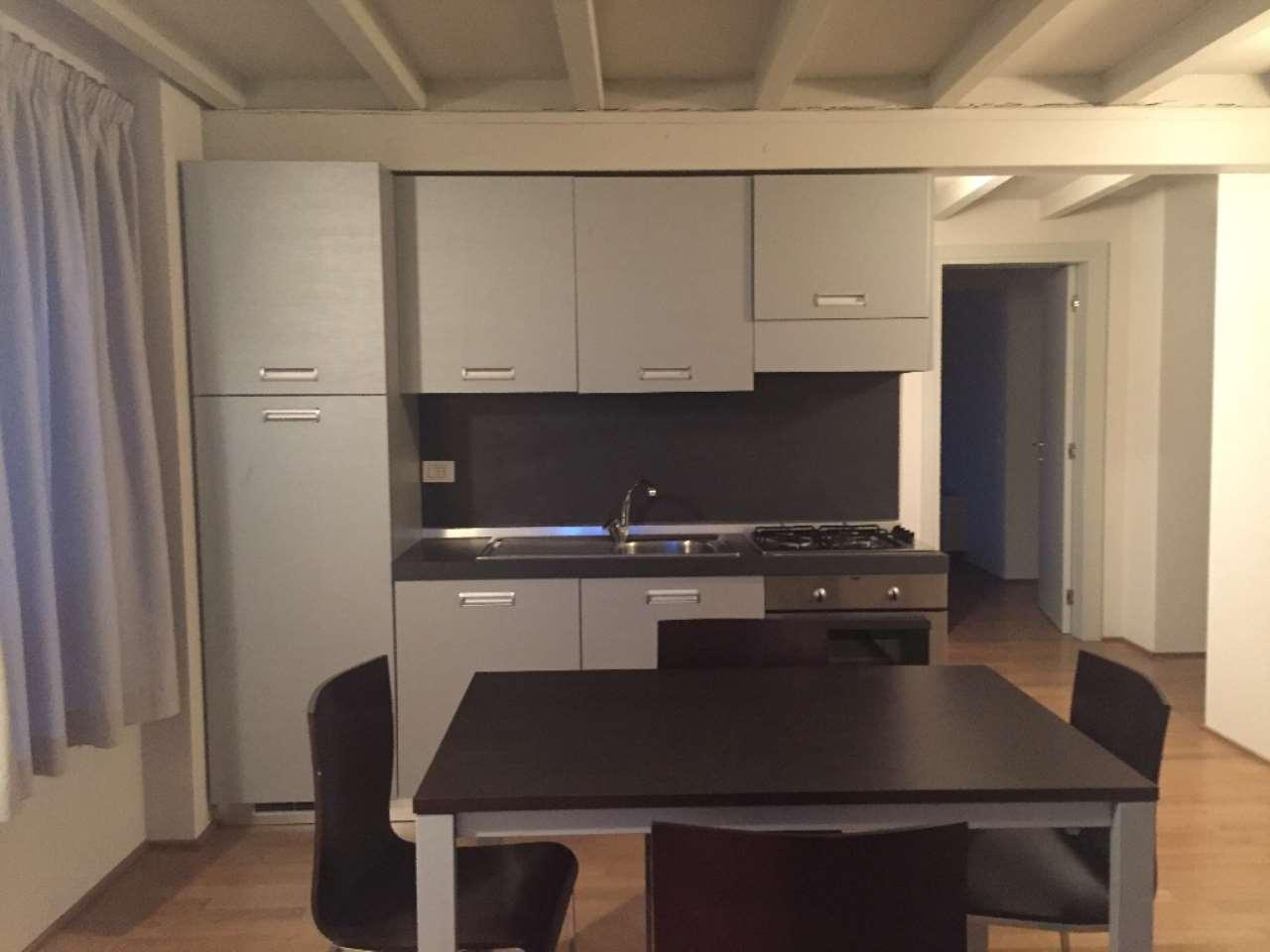 Appartamento in ottime condizioni arredato in affitto Rif. 7782891