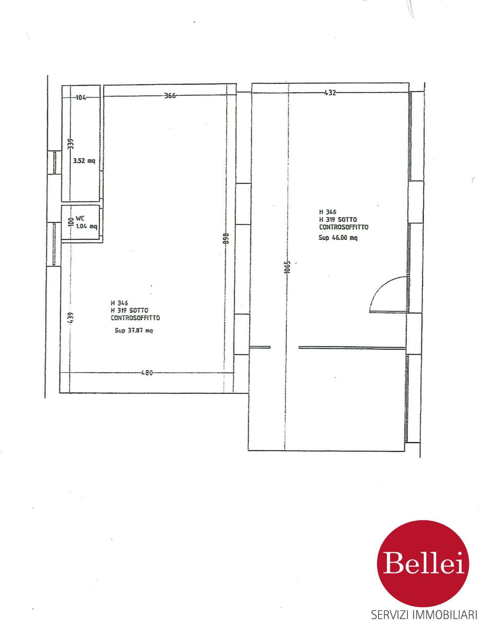Negozio - ufficio di 108 mq con 3 vetrine in zona di forte passaggio al centro