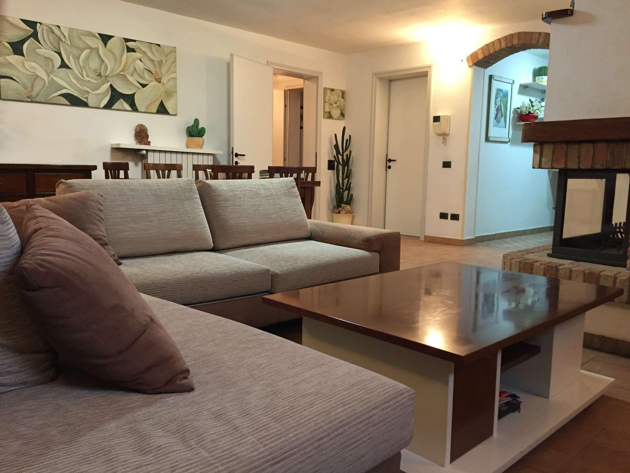 Villetta a schiera in ottime condizioni parzialmente arredato in vendita Rif. 6431947