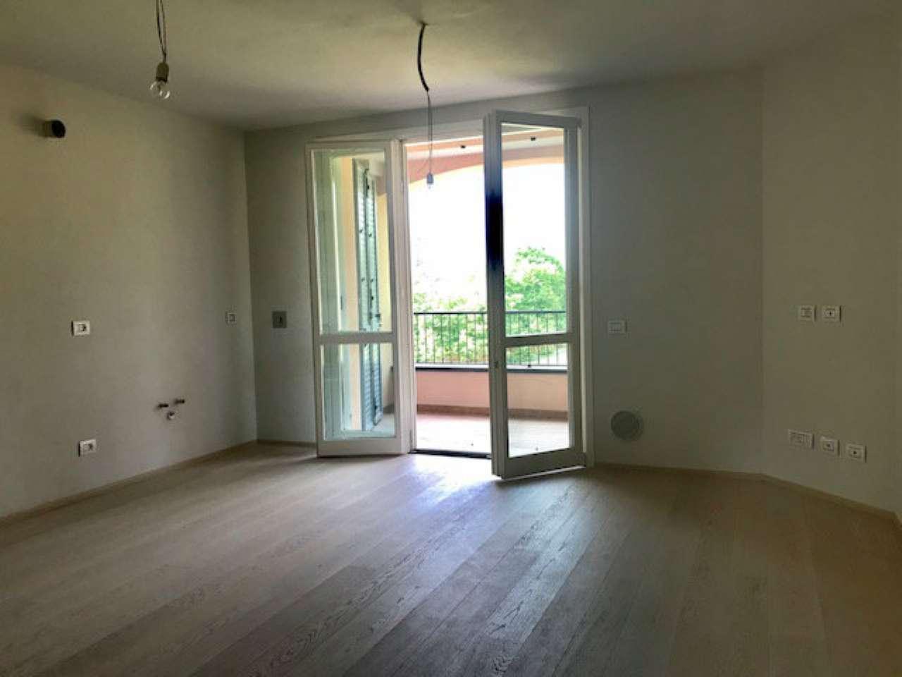 Appartamento parzialmente arredato in vendita Rif. 7506017