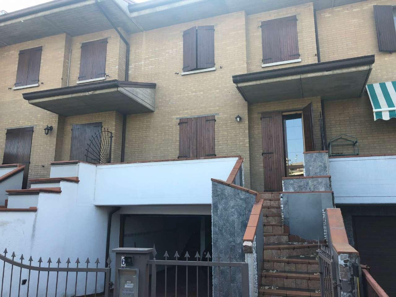 Villa a Schiera in affitto a Sassuolo, 6 locali, prezzo € 1.100 | CambioCasa.it