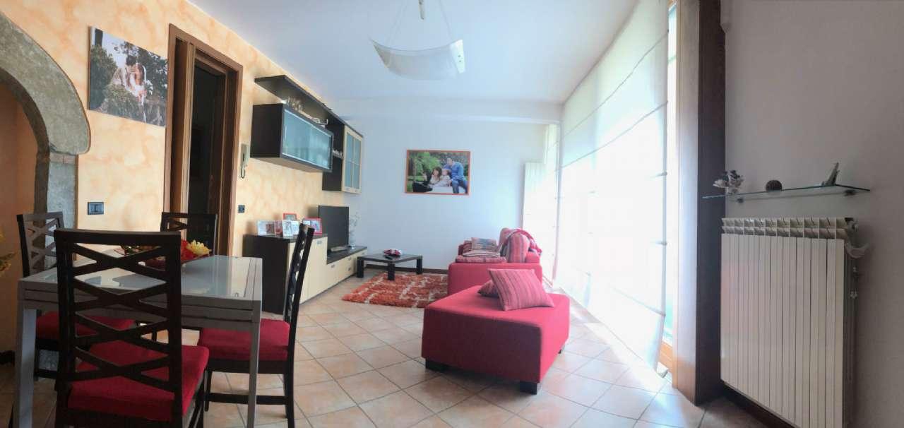Appartamento in vendita a Viggiù, 3 locali, prezzo € 130.000 | PortaleAgenzieImmobiliari.it