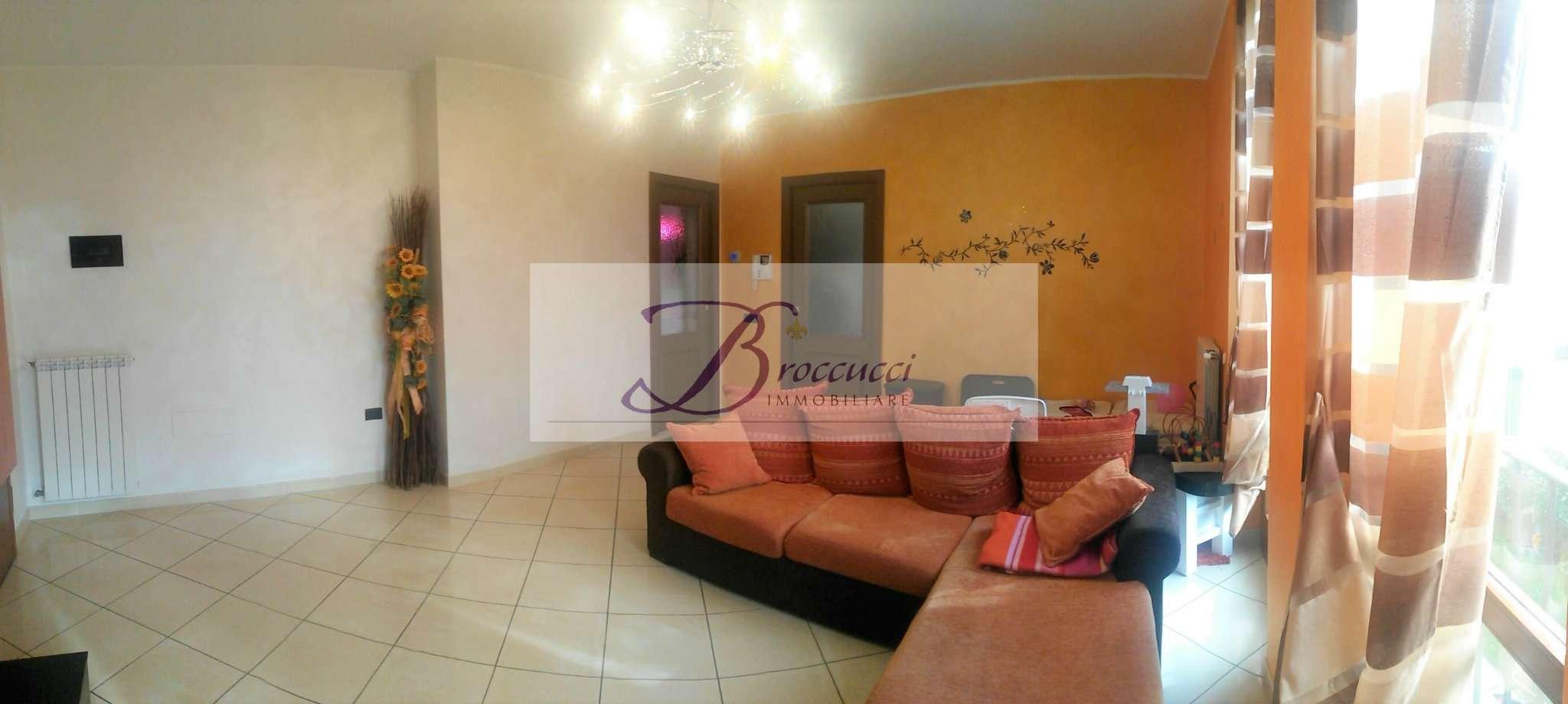 Appartamento in ottime condizioni arredato in vendita Rif. 8188507