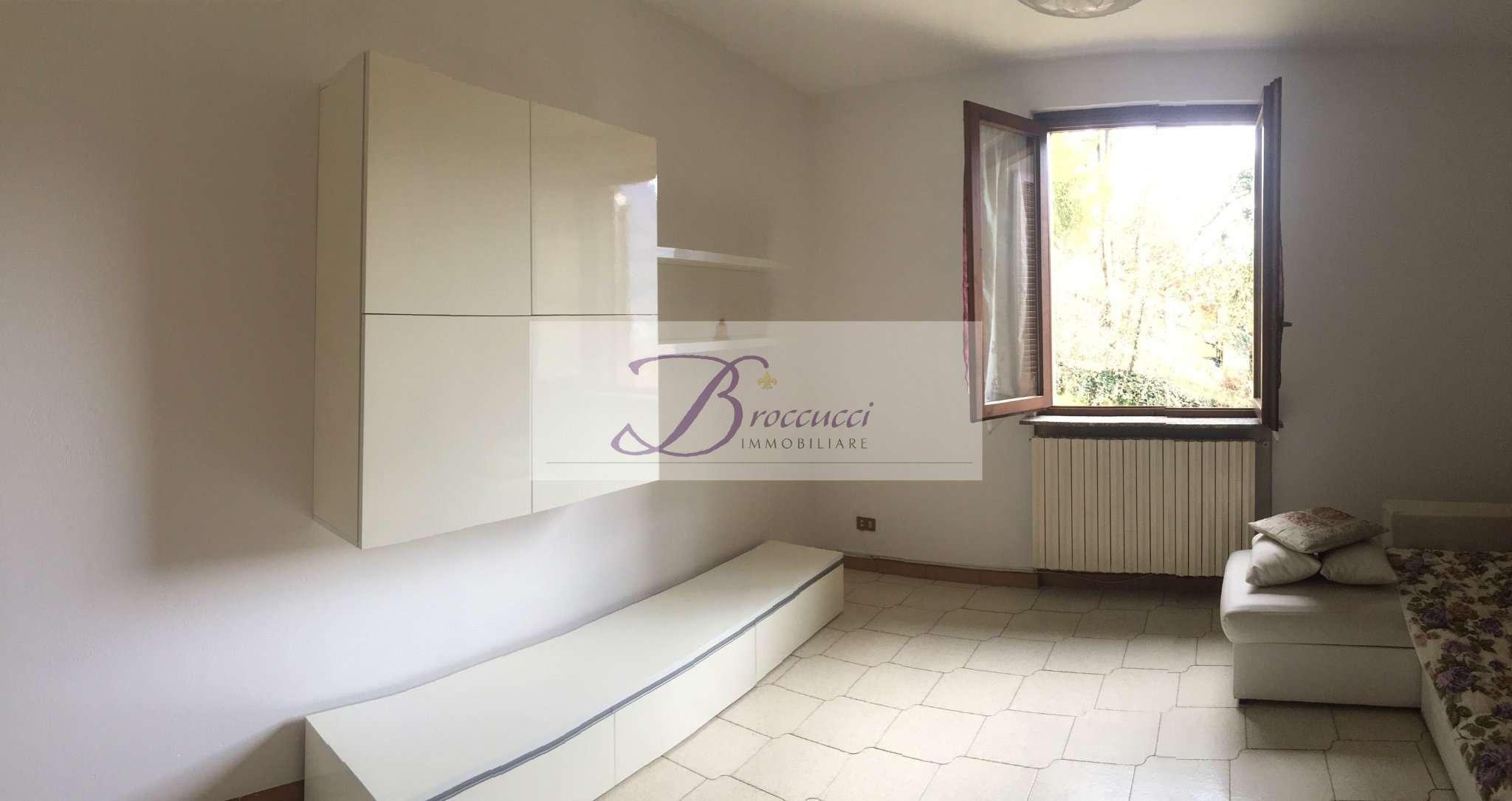 Appartamento in buone condizioni arredato in affitto Rif. 8862137