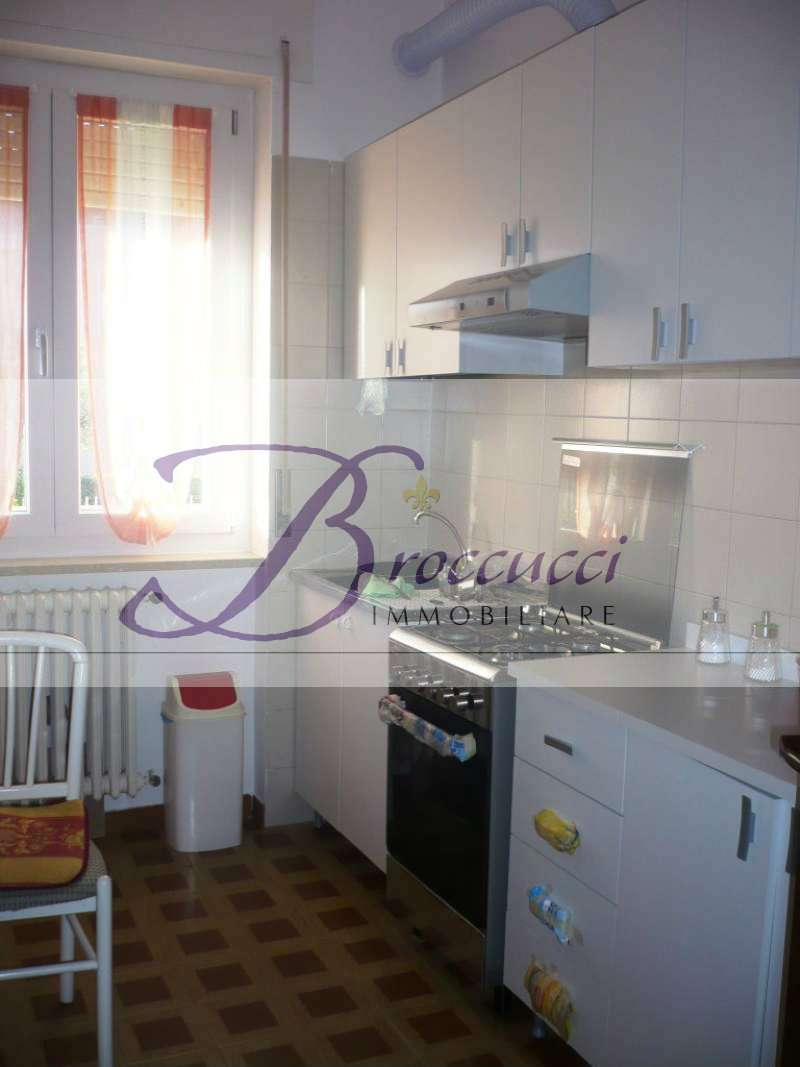 Appartamento in buone condizioni arredato in affitto Rif. 9225958