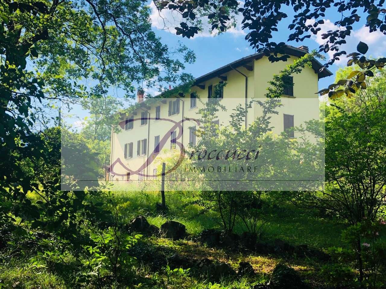 Villa in vendita a Viggiù, 6 locali, prezzo € 395.000 | PortaleAgenzieImmobiliari.it