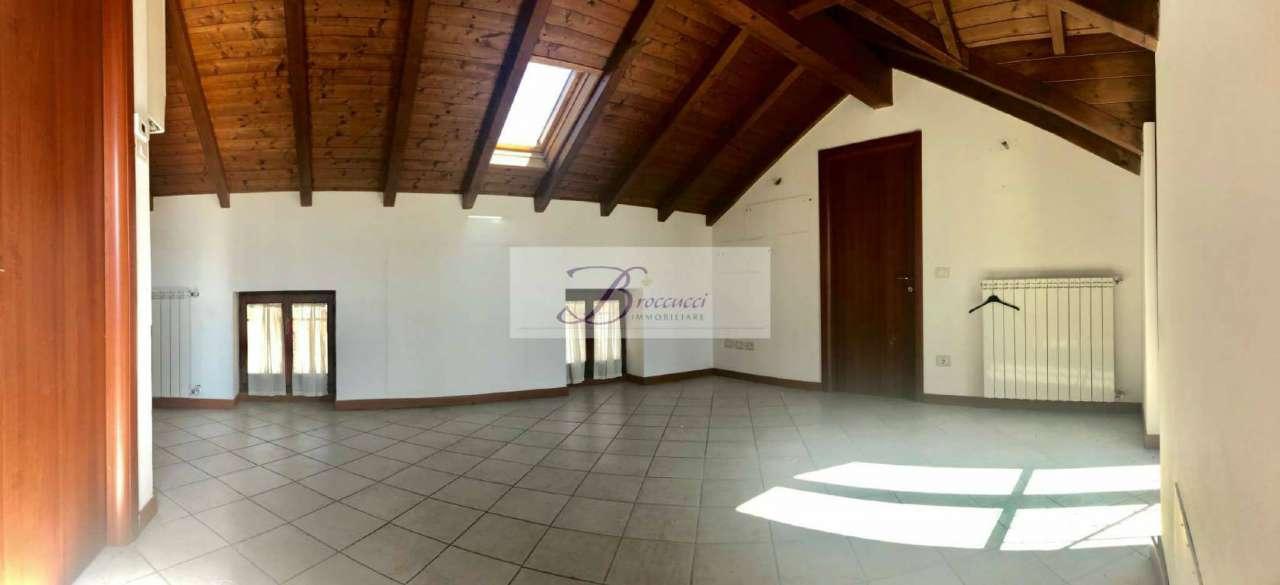 Appartamento in affitto a Bisuschio, 2 locali, prezzo € 450 | PortaleAgenzieImmobiliari.it
